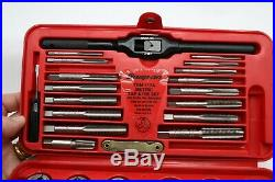 Snap On Tap & Die Set TDM-117A Metric Set (incomplete) Well taken care of & Case